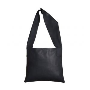 OMMA Madrid Shoulder Bag Black Leather